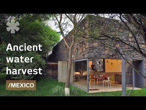 Vivienda moderna en una meseta mejicana revive un método antiguo de recolección de agua