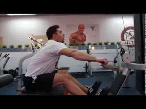 Wstrząsy w mięśniach ramion i szyi