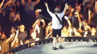 AC/DC (with Axl Rose) - Let There Be Rock/Angus Young guitar solo