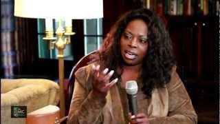 R&B DIVA  ANGIE STONE: UP CLOSE & PERSONAL -   P.1