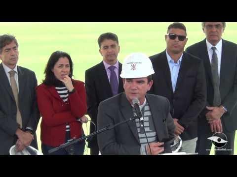 19/08/2013 - Por dentro da Obra - Perguntas para o Andrés e visita da Fifa