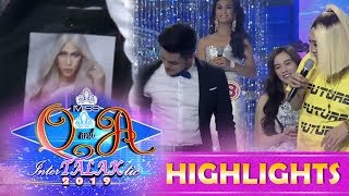 It's Showtime Miss Q & A: Kuya Escort Ion Shows A Photo Of Vice Inside His Coat
