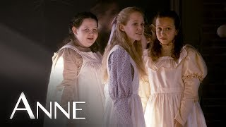 [Saison 1] The Costumes of Anne