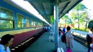 Đi du lịch bằng tàu hỏa ở Việt Nam
