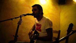 Video Jeden Má Hovno acoustic live (iba gitara a spev)