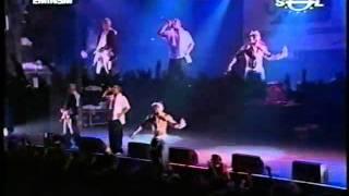 Eminem and Obie Trice Love me Live in Barcelona