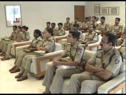 Gujarat CM meets probationary IPS officers
