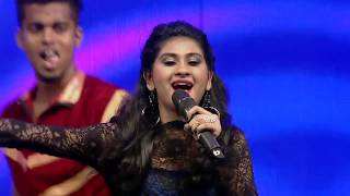 Nithyashree sings Nangai Nilavin Thangai at Vijay Television Awards