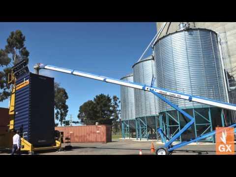 Grain Cart unloading, 1000 Bushel of corn unloaded in under 2 minutes!