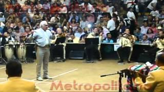 Pelea de Gallos - Vicente Fernández (En Vivo, Palenque de la FNSM 2012)