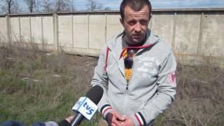 Местный житель Августиновки берет забор отоходов