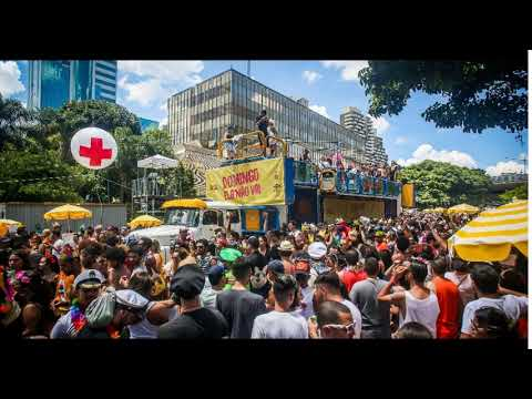 A era dos blocos gigantes Público colossal invade avenidas e parques para pular o Carnaval da diversidade...