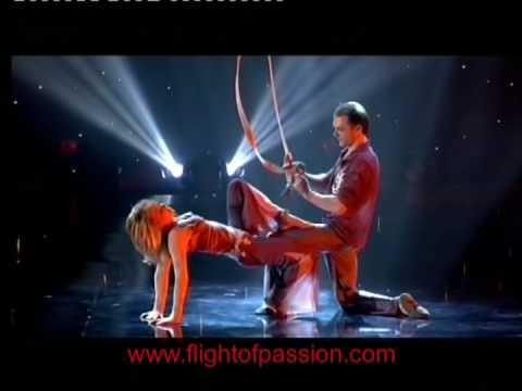 ריקוד התשוקה - מופע מדהים של אקרובטיקה וכוח