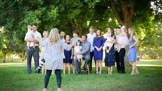 Group Portraits Outdoors 16 And Counting Big Family Photoshoot Vlog 024