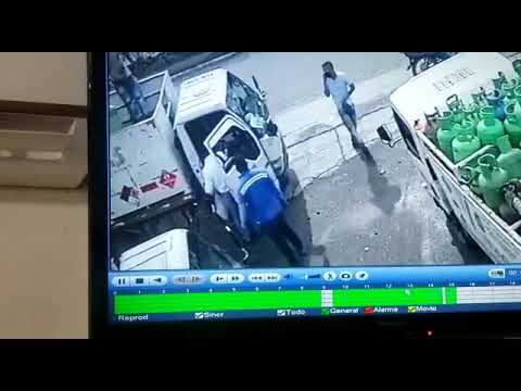 Con 'cilindrazo' trabajadores neutralizan a atracador en Cartagena