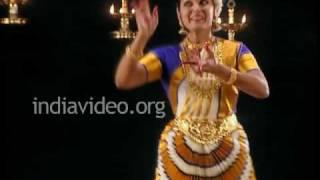 Sunanda Nair - unraveling the soul of Mohiniyattam