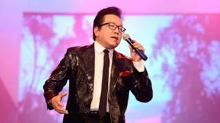 Thu hát cho người (Vũ Đức Sao Biển) - Elvis Phương