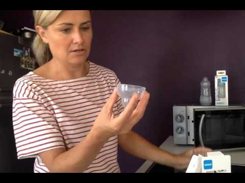 Little Green testet die selbststerilisierende Flasche von MAM