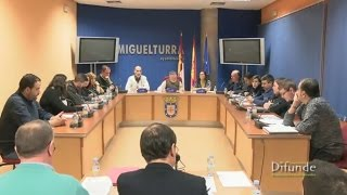 preview picture of video 'Pleno Ordinario del Ayuntamiento de Miguelturra del 5 de marzo de 2015.'