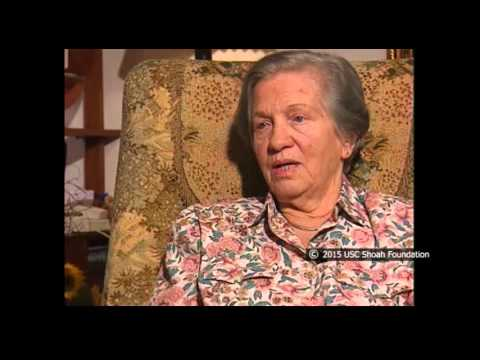 Luba Dzilovski sobreviviente del Holocausto habla del asesinato de prisioneras al fin de la marcha de la muerte