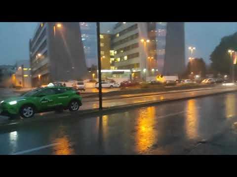 Mnoge ulice i kuće u Nišu juče zbog kiše bile pod vodom, građani od nadležnih traže trajno rešenje