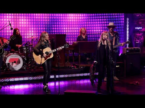Sheryl Crow & Stevie Nicks Perform 'Redemption Day' – Digital Exclusive
