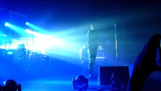 Angels & Airwaves -  All that we are, live at Paris 07 april 2012 (long intro)