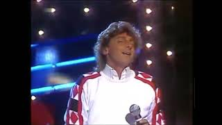 barry manilow you looking hot tonight