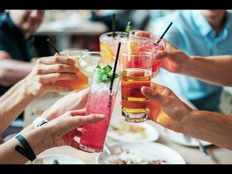 Reunir-se de respostas de alcoolismo
