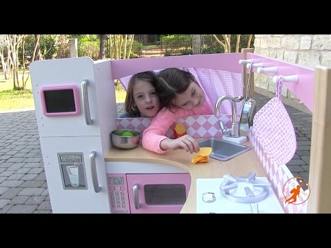 Kidkraft Grand Gourmet Corner Kids Toy Kitchen - Unboxing,Review and Pretend Cooking