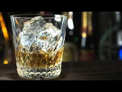 Willie Nelson - Whiskey River (Lyrics)