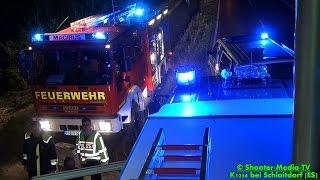 preview picture of video '[E] - Nach Ausweichmanöver schwer verunfallt | [PKW LANDET IM WALD] | Rettungskräfte + BERGUNG PKW'