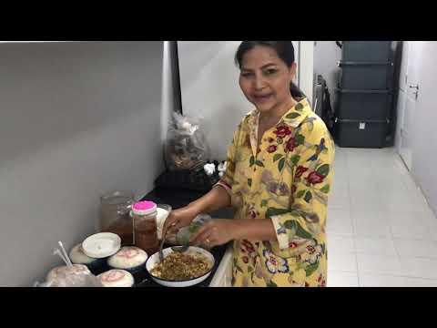 Sunaree-สุนารี ราชสีมา-กินข้าวกับกุ้งจ่อม