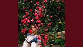 Musik-Video-Miniaturansicht zu Overanalyze Songtext von Ella Anderson