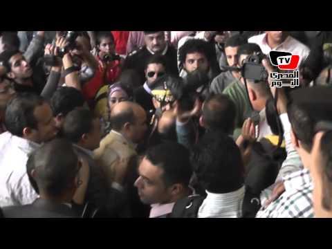 الأمن يتراجع ويسمح للصحفيين بالدخول لمكتب النائب العام