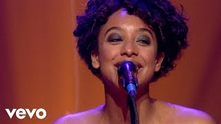 Corinne Bailey Rae - Put Your Records On (Live)