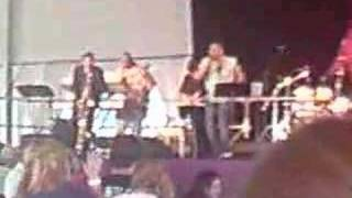 Aaron Neville - I Saw the Light medley