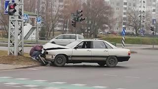 Не вписался в поворот. В Бресте произошло ДТП на перекрёстке улиц Варшавское шоссе. 28 июля.