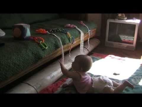 Какой игрой заинтересовать ребенка в 7 месяцев