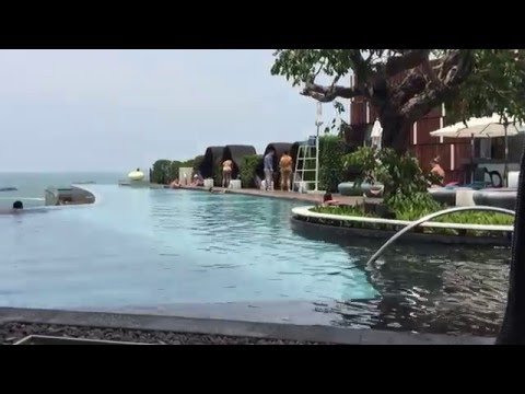 Hilton Pattaya pool/swimming/chillaxing