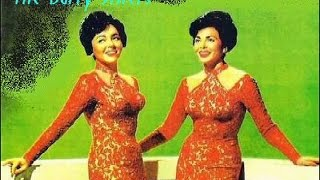 "Video thumbnail of ""Barry sisters - Tum Balalaika"""