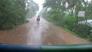 preview picture of video 'Viaje a Camboya 17 - Más lluvia en Kompong Cham'