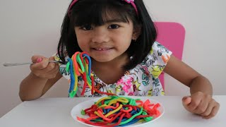 Sophia Johny Johny Yes Papa Playing Colorful Play Doh Noodles!