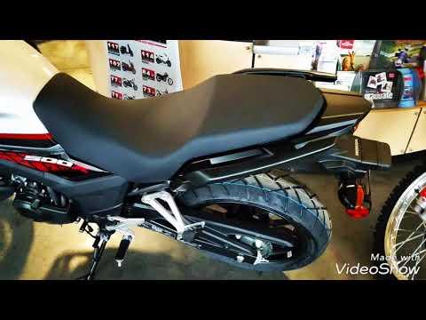 2018 Honda CB500X ABS in Davenport, Iowa - Video 1