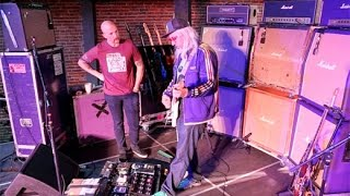 Want to know what makes Dinosaur Jrs J Mascis rig so special