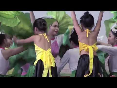 Trường Mầm non Hữu Nghị quốc tế Tiết mục múa Mênh mang hương sen