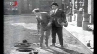 Zapomenutý svět - Dva muži na ulici