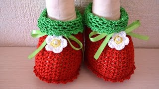 How To Make Adorable Crochet Doll Booties - DIY Crafts Tutorial - Guidecentral