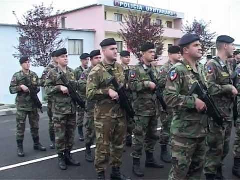 I militari albanesi partono per l'Afghanistan - Missione di pace