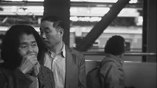 【東京都】静止した新宿駅の人々
